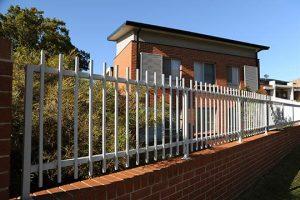 Fence of strata scheme